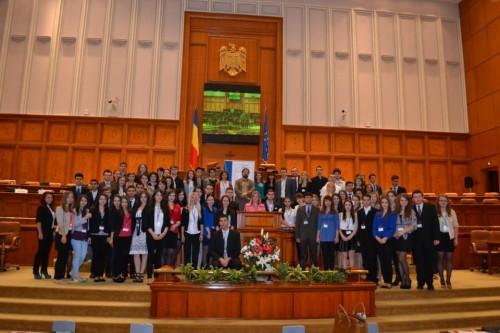 participanti @ Parlamentul Tinerilor