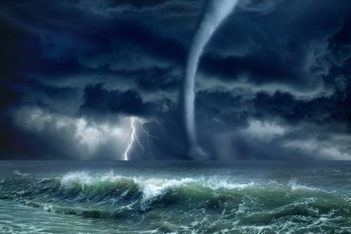 furtuna fulger ocea