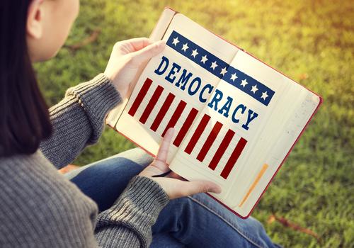 democratie invatare carte